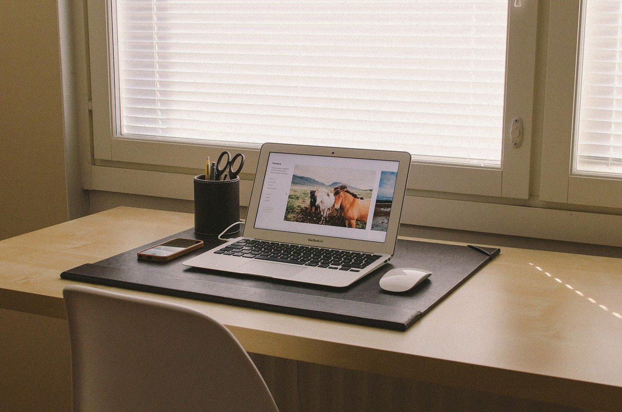 home-office-438386_1280.jpg